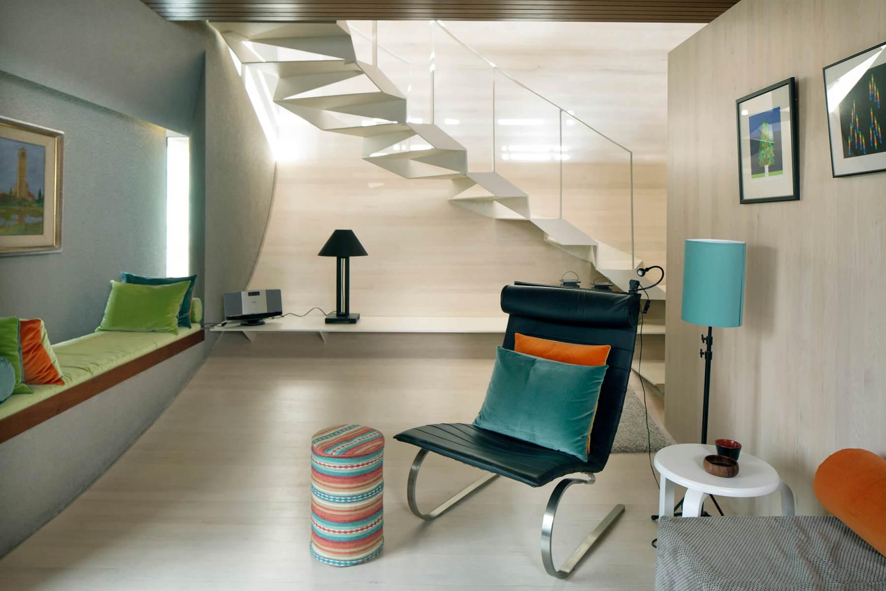 Interior-contemporary-reading-room