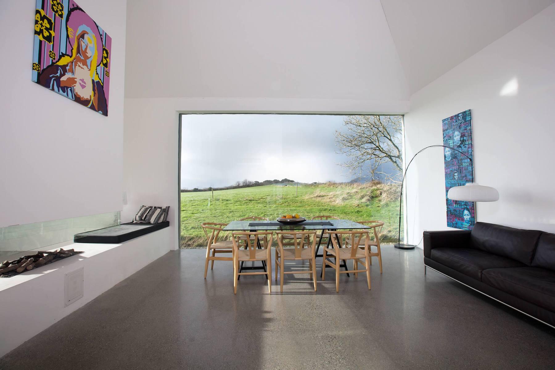 31-interior-dining-room-window-view