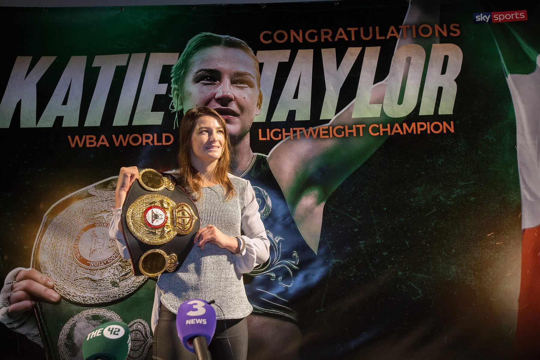 Katie Taylor-championship-belt